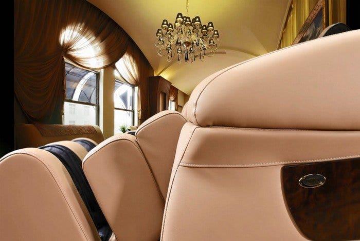 Luraco i7 iRobotics Massage Chair
